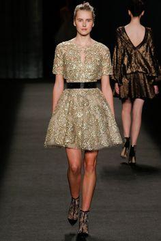 Monique Lhuillier Fall 2014 Ready-to-Wear Fashion Show