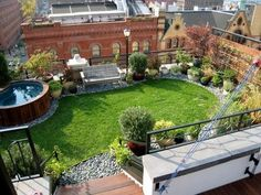 A natural rooftop has numerous positive factors at economic, organic and group rank. Jacuzzi, Garden Architecture, Sustainable Architecture, Contemporary Architecture, Pavilion Architecture, Residential Architecture, House With Balcony, Roofing Options, Residential Roofing