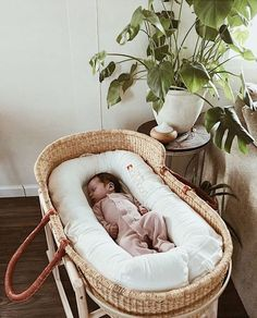 Baby clothes should be selected according to what? How to wash baby clothes? What should be considered when choosing baby clothes in shopping? Baby clothes should be selected according to … Baby Bedroom, Nursery Room, Babies Nursery, Simple Baby Nursery, Newborn Nursery, Bedroom Wall, Bedroom Ideas, Baby Kids, Baby Boy