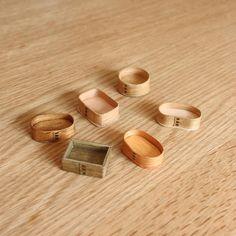 わっぱのお弁当箱と言ってもいろんな形があるんですね☺こちらは6分の1サイズのマグネット用。どんなお弁当ができるかな? #obentobox #miniature #wappa #magnet #ミニチュア #ミニチュア弁当 #わっぱ #マグネット