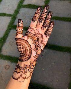 Palm Henna Designs, Very Simple Mehndi Designs, Round Mehndi Design, Peacock Mehndi Designs, Khafif Mehndi Design, Modern Henna Designs, Finger Henna Designs, Latest Bridal Mehndi Designs, Mehndi Designs For Girls