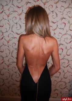 Um yah this will be in my closet for sure, black low back dress with light gold chains