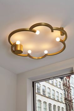 Blow Ceiling Mount (Brushed brass). Interior Roll & Hill showroom. Light designed by Lindsey Adelman for Roll & Hill Cool Lighting, Outdoor Lighting, Lighting Design, Track Lighting, Interior Design Inspiration, Decor Interior Design, Interior Decorating, Roll Hill, Wooden Staff