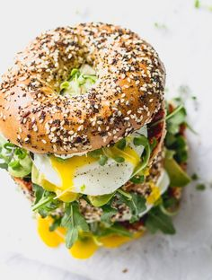 I will never have any other breakfast bagel sandwich again. I know that sounds dramatic. I've had my fair share of really good breakfast bagel sandwiches before, I mean, I have spent a lot of time Croissant Sandwich, Bagel Breakfast Sandwich, Best Breakfast, Pan Bagel, Bagel Bagel, Egg Bagel Recipe, Good Food, Yummy Food, Falafels