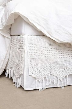 Anthropologie - Fringe Crochet Bedskirt