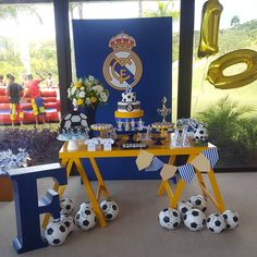 Festa linda do Real Madrid para meu príncipe loiro comemorar seus 10 anos... agradeço meus queridos parceiros em me ajudar a tornar tudo… Bolo Real Madrid, Festa Do Real Madrid, Fiesta Real Madrid, Soccer Birthday Parties, Soccer Party, Birthday Party Decorations, Party Themes, Turtle Birthday, 9th Birthday