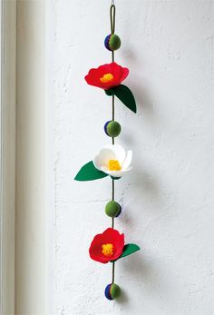 Camellia flower is a traditional motif of hanging decoration, but cut … – Garden Ideas Foam Crafts, Fabric Crafts, Sewing Crafts, Diy And Crafts, Crafts For Kids, Arts And Crafts, Paper Crafts, Origami, Felt Flowers