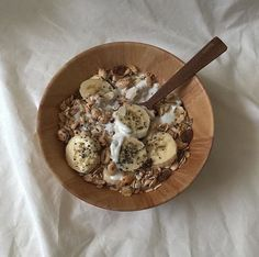 Recipes Breakfast Granola living for the aesthetic De Todo Think Food, I Love Food, Good Food, Yummy Food, Tasty, Granola, Comida Picnic, Deli Sandwiches, Cafe Food