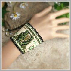 Peyote Beading Pattern : One Dollar Bill Bracelet Cuff Origami Tooth, Origami Ball, Money Origami, Origami Love, Origami Paper, Origami Hearts, Origami Flowers, One Million Dollar Bill, 5 Dollar Bill