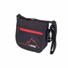 Versatile shoulder bag for travelling or walks around the city.