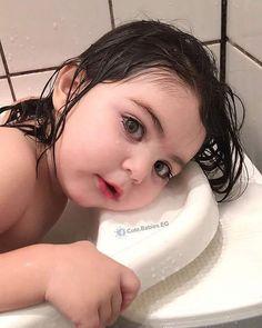 oh my god she is so cute ❤❤❤❤❤❤❤ Cute Baby Girl Pictures, Cute Baby Boy, Cute Little Baby, Little Babies, Baby Photos, Baby Love, Cute Babies, Baby Kids, Pretty Kids