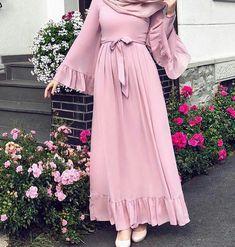 2019 hijab combinations pink long frilly flared dress cream heels shoes - Hijab combinations pink long ruffle flared skirt dress cream heels shoes the - Hijab Outfit, Hijab Style Dress, Hijab Mode, Mode Abaya, Abaya Fashion, Muslim Fashion, Fashion Dresses, Mode Kimono, Hijab Fashion Inspiration