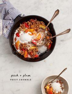 Peach & Plum Fruit Crumble #summer #eats #farmersmarket