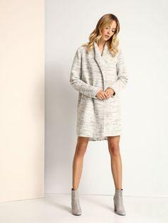 """Płaszcz damski Top Secret z kolekcji jesień-zima 2016.<br><br> Płaszcz damski niezapinany, o luźnym fasonie, bez podszewki. Posiada kieszenie. Idealny na jesień, pasuje do codziennych stylizacji. Płaszcz dostępny w kolorze szarym (SPZ0362SZ).<br><br><span style=\""""front-style:italic\""""> Modelka ma 179 cm wzrostu i prezentuje rozmiar 34. Top Secret, Casual, Cardigan, Sweaters, Shopping, Collection, Dresses, Design, Fall"""
