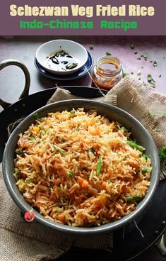 Healthy Meal Prep, Healthy Snacks, Fried Rice Dishes, Vegetarian Recipes, Healthy Recipes, Asian Recipes, Ethnic Recipes, Spicy Chili, Food Website
