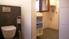 Ladstatthütte Kolsassberg,  Berghütte für 2 - 4 Personen ... neues Badezimmer Cabinet, Storage, Furniture, Home Decor, Red Walls, Bathing, Clothes Stand, Purse Storage, Decoration Home