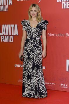 """Dianna Argon Wears Carolina Herrera at """"The Family"""" Germany Premiere"""