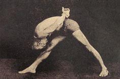 1934: T. Krishnamacharya practicing yoga (vintage yoga photo) ...... #vintageyoga #yogahistory #yoga #yogainspiration #1930s #Krishnamacharya #india
