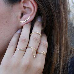 Boucles d'oreilles de la marque espagnole Aran Jewels qui aime le minimalisme, la qualité, le soin du détail et la vie en savourant chaque seconde de façon unique. Pinterest: KarinaCamerino