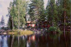 Insel in Granbergsdal, Schweden. In Värmland, 250 km westlich von Stockholm, liegt diese einzigartige Hütte aus dem 19. Jahrhundert.  Mann kommt nach die Insel mit Ruderboot!  Die Hütte ist einfach, aber in sehr ruhig Umgebung.  Die Hütte ist einfach, keine moderne Ausrüstung.  F...