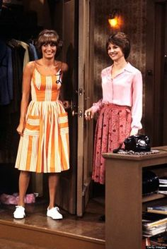 Laverne and Shirley. Penny Marshall and Cindy Williams. Oh how I loved them!