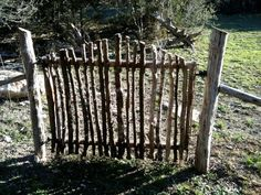 DIY Garden Fence Ideas to Keep Your Plants I have enough twigs, want to make a little gate for the yard.I have enough twigs, want to make a little gate for the yard. Diy Garden Fence, Backyard Fences, Garden Trellis, Garden Art, Garden Landscaping, Garden Gates And Fencing, Garden Beds, Garden Drawing, Herbs Garden