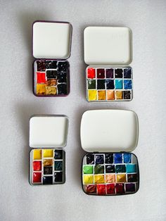 Remember those boxes that Libresse gave away on their pads? Transform them into watercolor kits.  Sketch Boxes by PixelKoi, via Flickr