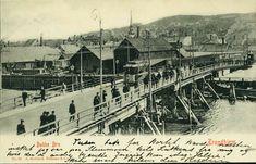 Sør-Trøndelag fylke Trondheim  TRONDHJEM, Bakke Bro. Flott kort med trikk og mange spaserende Utg A. Holbæk Eriksen Postgått 1903,