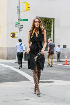 New York Fashion Week Fall 2015 Street Style - Louise Roe Streetstyle - Black Trench Dress 4