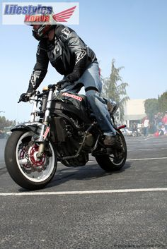 Lifestyles Honda Spring Open House and Motorcycle Stunt Show