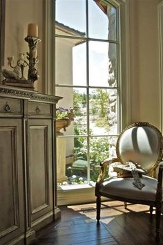 Architectural Antiques make me weak at the knees. Old, shabby antique doors from the old French Chateaus, the bigger the better. These old doors, whose photo has appeared on many blogs {and still…