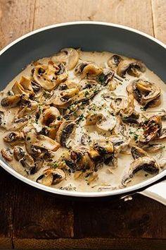 Snelle champignonsaus…Klaar in minder dan 5 minuten! I Love Food, Good Food, Yummy Food, Vegetarian Recipes, Cooking Recipes, Healthy Recipes, Belgian Food, Fish And Meat, Food Inspiration