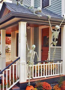 90-cool-outdoor-halloween-decorating-ideas-32