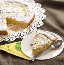 """Είναι η διάσημη σε όλο τον κόσμο συνταγή για """"torta della nona"""" η «τάρτα της γιαγιάς», με καταγωγή από την Φλωρεντία. Έχει αρκετές παραλλαγές, λέγεται όμως ότι η αυθεντική συνταγή παραμένει μυστική"""