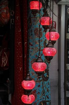50 shades of design: Turkish Lamps. Romantic Bedroom Lighting, Romantic Room Decoration, Romantic Bedrooms, Trendy Bedroom, Casa Gaudi, Amoled Wallpapers, Turkish Lamps, Turkish Decor, Romantic Candles