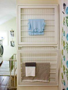 Tässä kiva ratkaisu ison perheen pieniin kuivaustiloihin. Ainakin haiseville pyyhkeille voin sanoa hyvästit tämän ratkaisun myötä :).