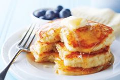 A splash of vanilla and a small pat of butter are the secret ingredients in these decadent, fluffy pancakes. Photography by Ryan Szulc . Canadian Living Recipes, Canadian Food, Canadian Pancakes, How To Cook Pancakes, Pancakes And Waffles, Fluffy Pancakes, Brunch Recipes, Breakfast Recipes, Brunch Food