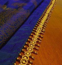 18 Awesome Pics of saree kuchu designs crops Saree Tassels Designs, Saree Kuchu Designs, New Blouse Designs, Mehndi Designs, Hand Designs, Embroidery Saree, Hand Embroidery, Saree Border, Latest Sarees
