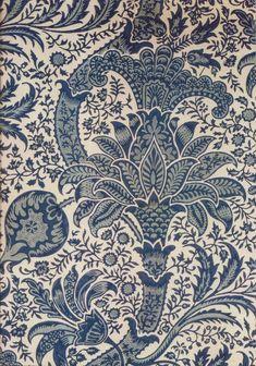 Print from William Morris, on a notebook, Victoria & Albert Museum. Textiles, Textile Prints, Textile Patterns, Textile Design, William Morris Patterns, William Morris Art, Chintz Fabric, Guernica, Pre Raphaelite