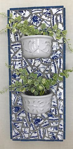 Broken china mosaic holds two small stoneware pots filled with artificial greenery, anchored in fresh coffee beans Mosaic Garden Art, Mosaic Flower Pots, Mosaic Pots, Mosaic Wall Art, Mosaic Glass, Mosaic Tiles, Stained Glass, Mosaic Crafts, Mosaic Projects