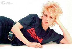 """Kim Wilde Kim Wilde is an English singer, author, DJ and television presenter who appeared on the music scene in 1981 with """"Kids in America"""". Kim Wilde, Olivia Wilde, Got The Look, New Look, 90s Teen Fashion, Andrew Mccarthy, 80s Music, Pop Singers, Album"""