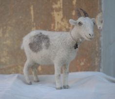 needle-felted goat by Victor Dubrovsky Needle Felting Tutorials, Wool Needle Felting, Needle Felted Animals, Wet Felting, Barnyard Animals, Felt Animals, Felt Mouse, Stuffed Animal Patterns, Felted Wool Crafts