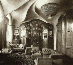 Gran salón diseñado por Gaudí para los Batlló