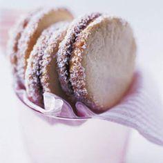 Alfajores de Dulce de Leche (Caramel Sandwich Cookies)