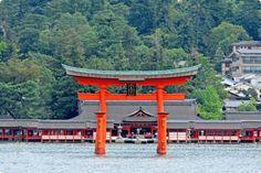 Itsukushima Shrine,Miyajima island,Hiroshima The divine island spirits lives. Places To Travel, Places To Go, Hiroshima Japan, Japanese Temple, Miyajima, Japan Travel, Travel Around, Kyoto, Beautiful World