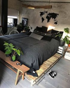 Bohemian Bedroom Decor Ideas - Locate the very best Bohemian Bedroom Layouts. Discover ways to provide your bedroom a boho touch. Home Bedroom, Bedroom Decor, Bedroom Ideas, Bedroom Layouts, Bedroom Designs, Modern Bedroom, Dark Cozy Bedroom, Bedroom Simple, Bedroom Rustic