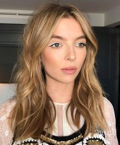 These are the coolest ways to wear white eyeliner Hair Color Balayage, Blonde Color, Hair Colour, Ombré Hair, New Hair, Beauty Makeup, Hair Makeup, Hair Beauty, White Eyeliner Looks