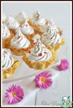 Пирожное Корзиночка с белковым заварным кремом - кулинарный рецепт