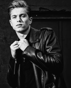Leather fashion // Find similar pins at @damee1 [https://www.pinterest.com/damee1/hell-bent-for-leather/] // #leatheroutfit #leatherjacket #stylish #menfashion #menstyle #guysinstyle #guyswithstyle #leather #stylish menswear #menstyle #menfashion #casual #smart #classy #dapper #outfit #beTrendly #Fashion #Menswear #Leather #Biker #Hipster #Streetwear #Hype #Menswear #Outfit #Style #Luxury