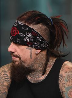 """Fieldy Photos Photos: BUILD Series Presents Korn Discussing Their Newest Studio Album """"The Serenity Of Suffering"""" Nu Metal, Heavy Metal, Ray Luzier, Brian Head, Jonathan Davis, Theatre Problems, Theatre Quotes, Ramin Karimloo, Acting Tips"""